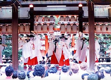祇園祭花傘奉納舞踊(7月24日)