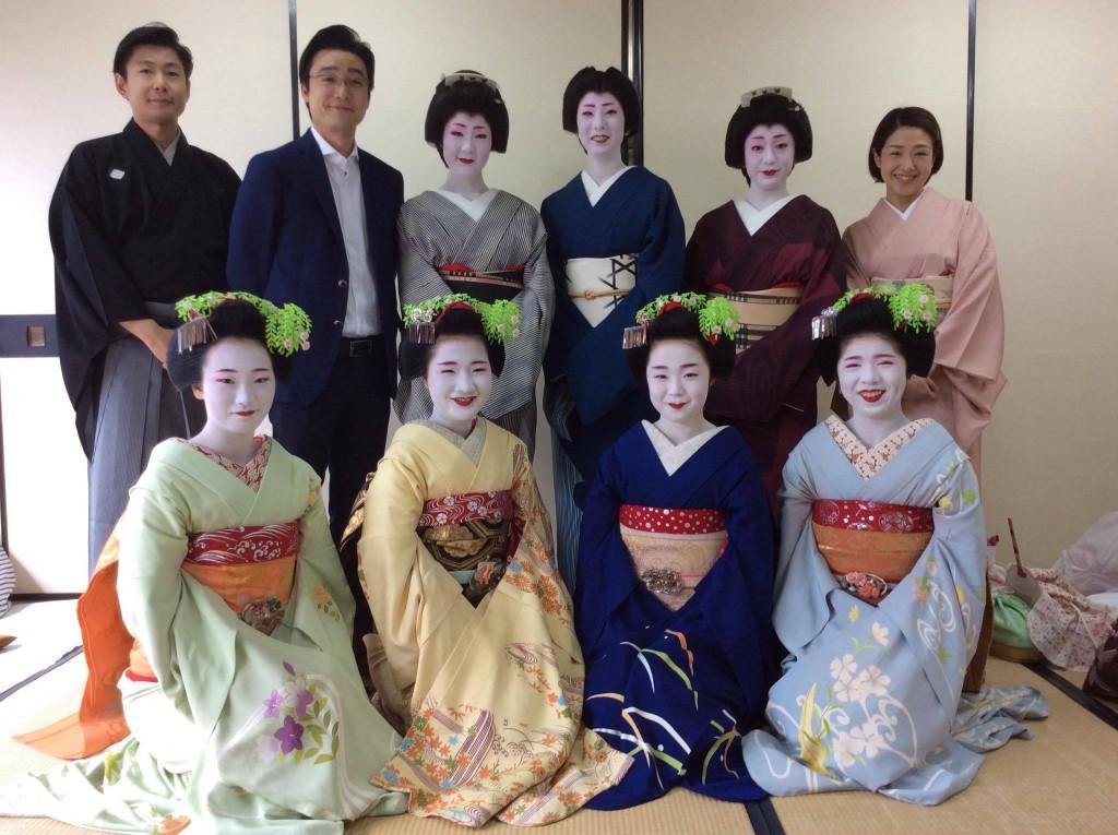 尾上菊之丞家元、尾上菊透先生、尾上京先生と共に、出演者一同で。