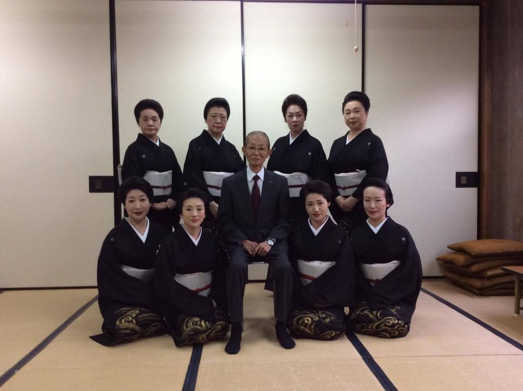 地方一同で清元榮三先生を囲んで